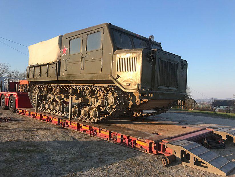 AT-S Artillerietraktor im NVA Museum Rügen